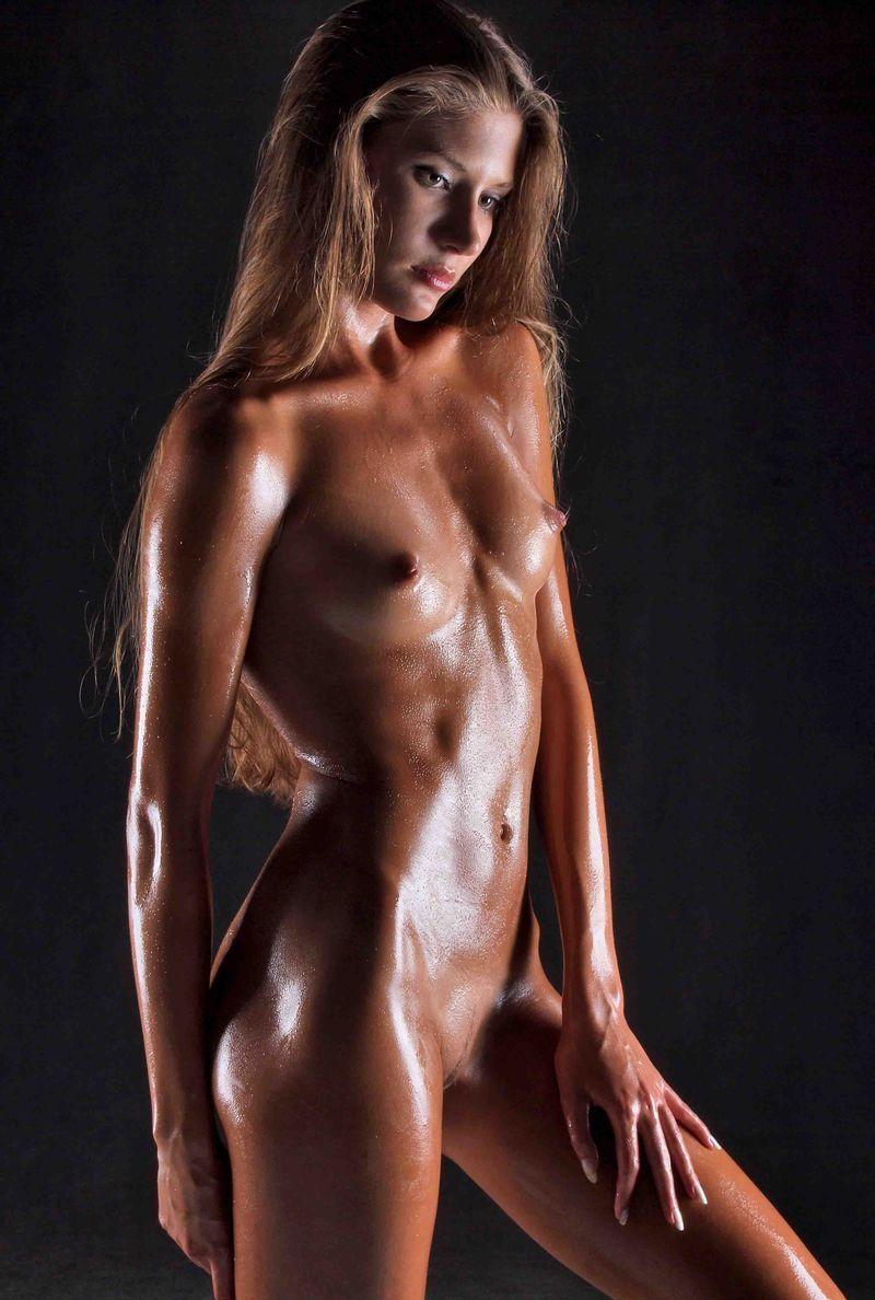 oiled-girl-pics