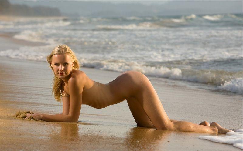перепонками лера голая на пляже шлюшки пошлых демотиваторах