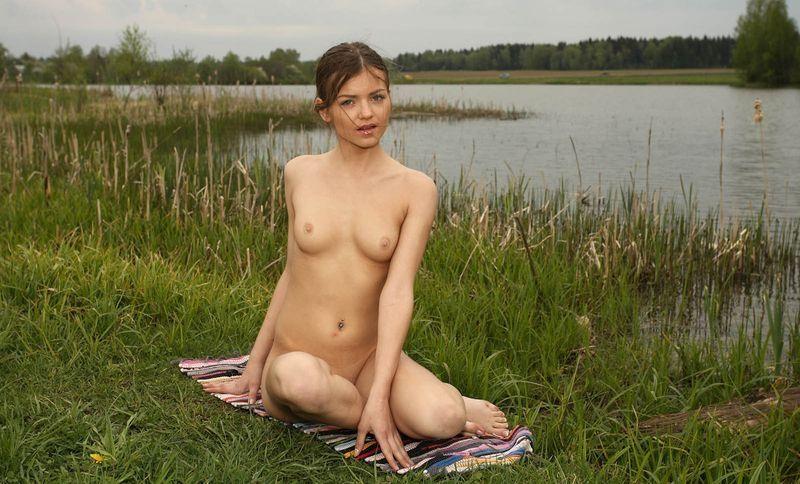 деревенские девки на озере фото красивые
