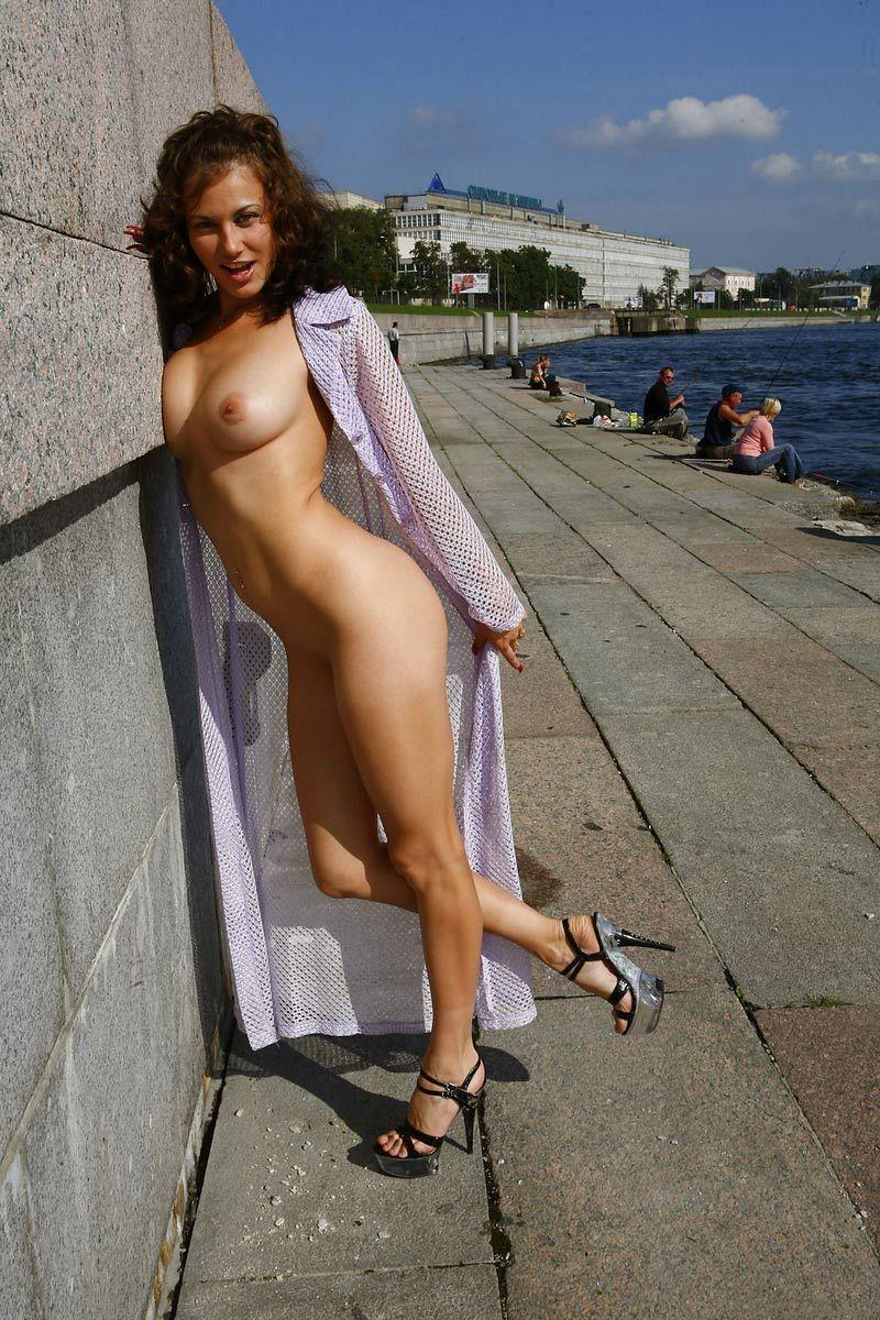 сайте питерские голые девчонки фото комментируем эту дамочку