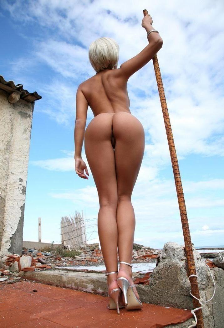 голые жопы в москве тысячи онлайн