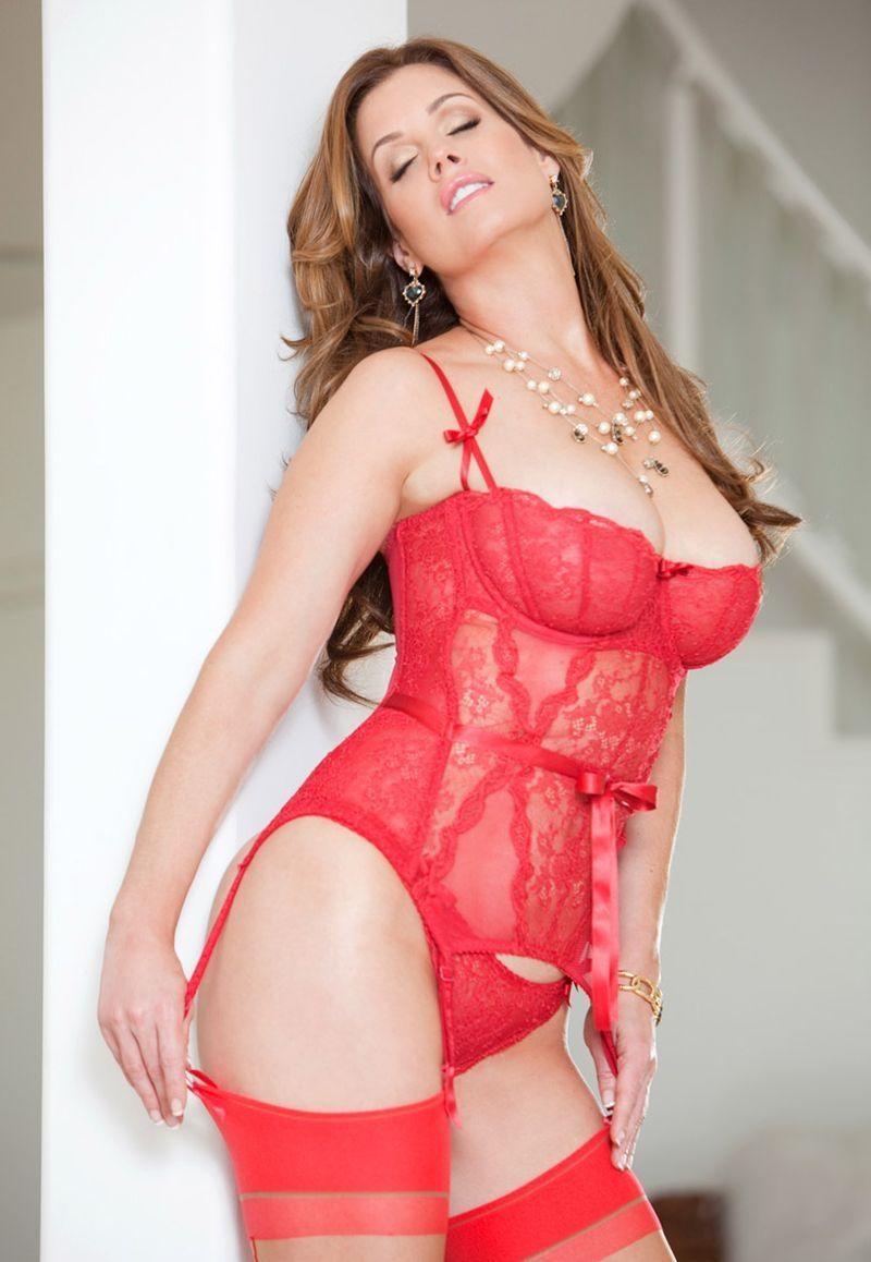 Sexy MILF Evie Delatossa stays in lingerie for a hardcore fuck № 459193 загрузить