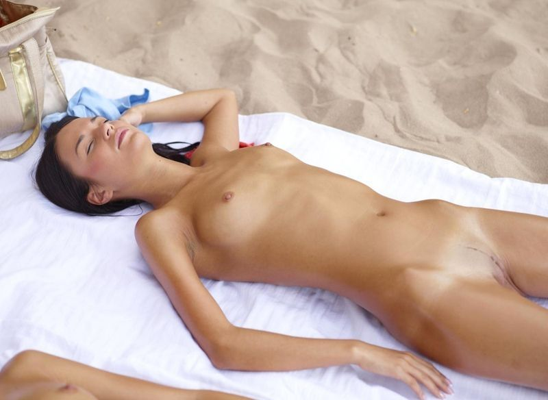girls-virgin-sunbath-for-women