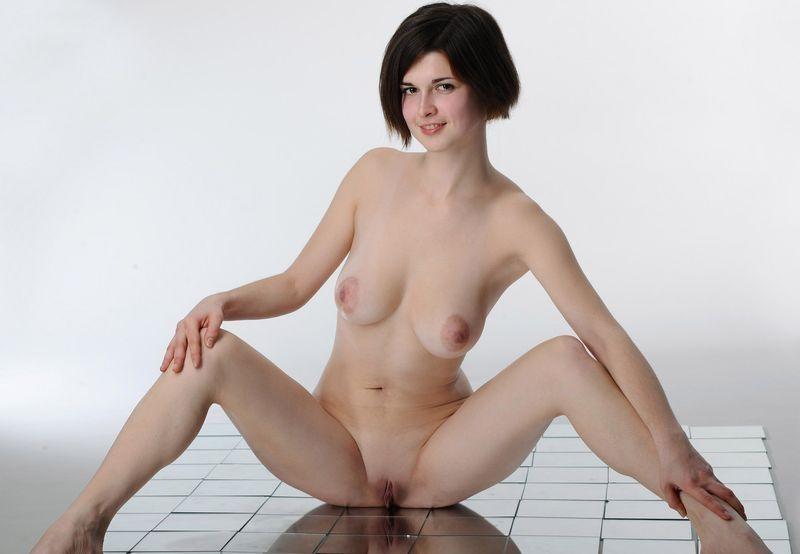 голые французские девушки фото