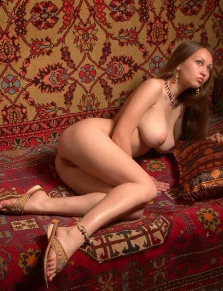 Интимное видео русских красоток