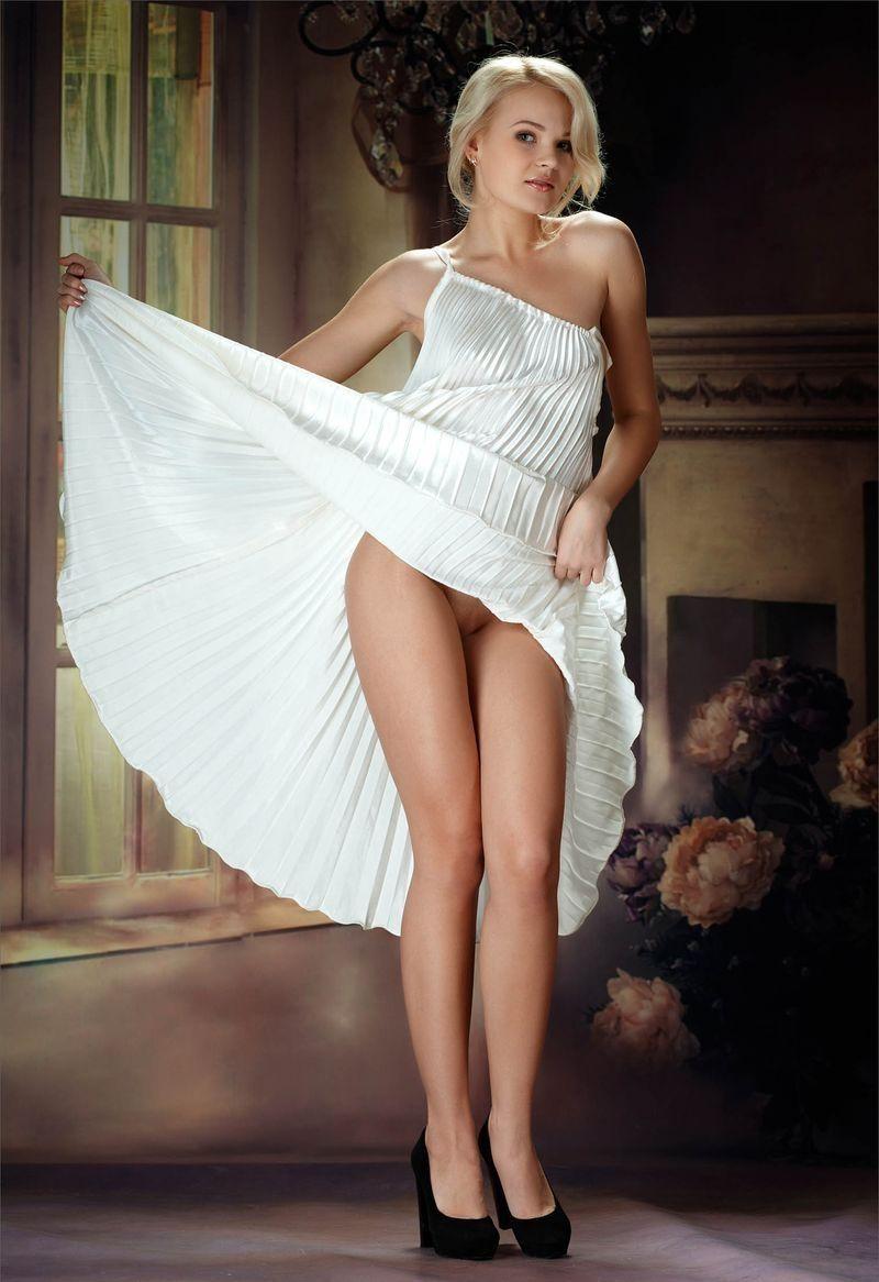 Фото платья без трусиков классная