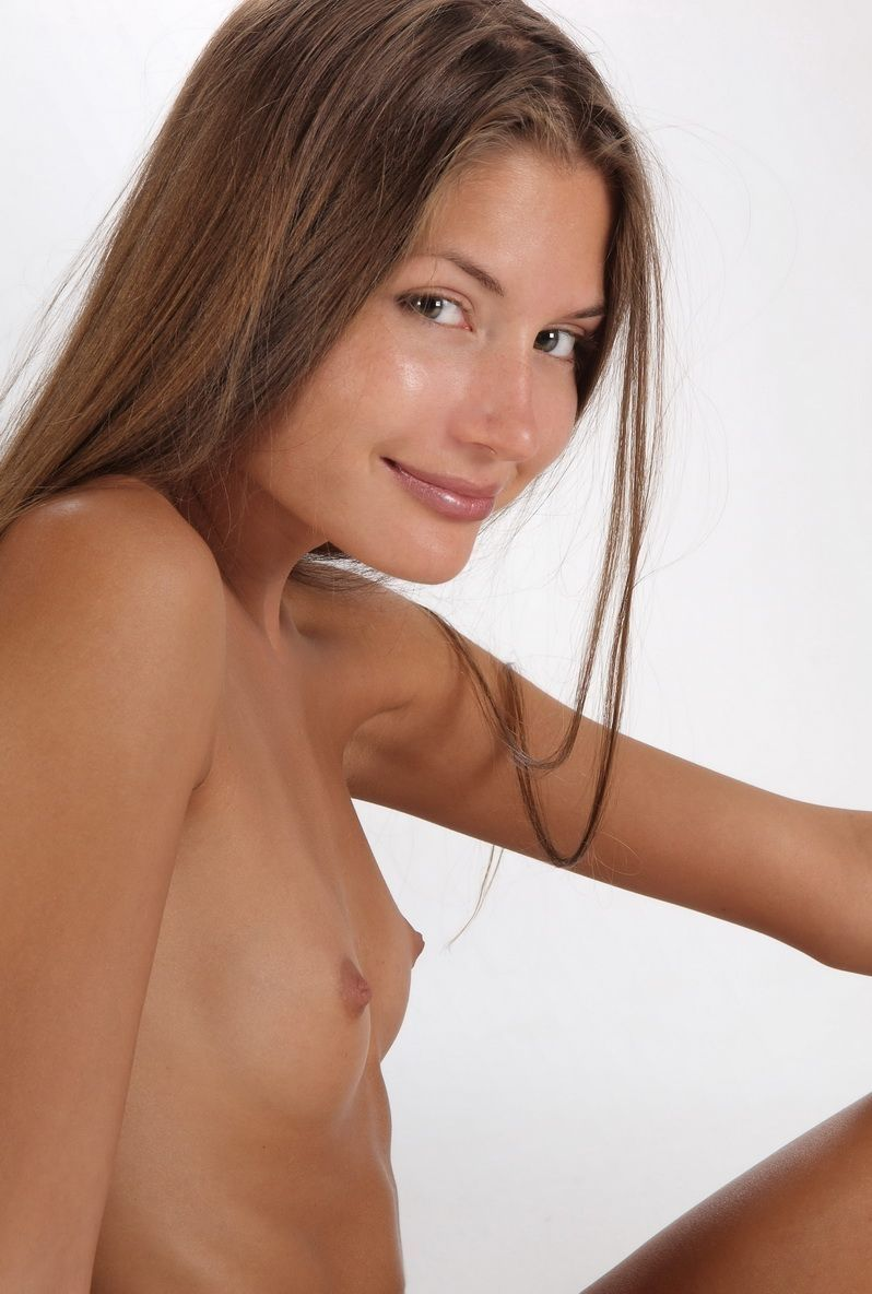 Девушки плоские грудки 9
