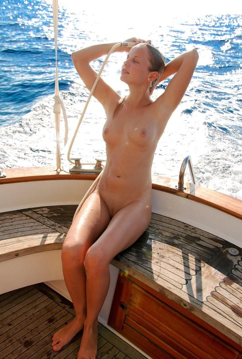 nudist-tanned-on-the-boat