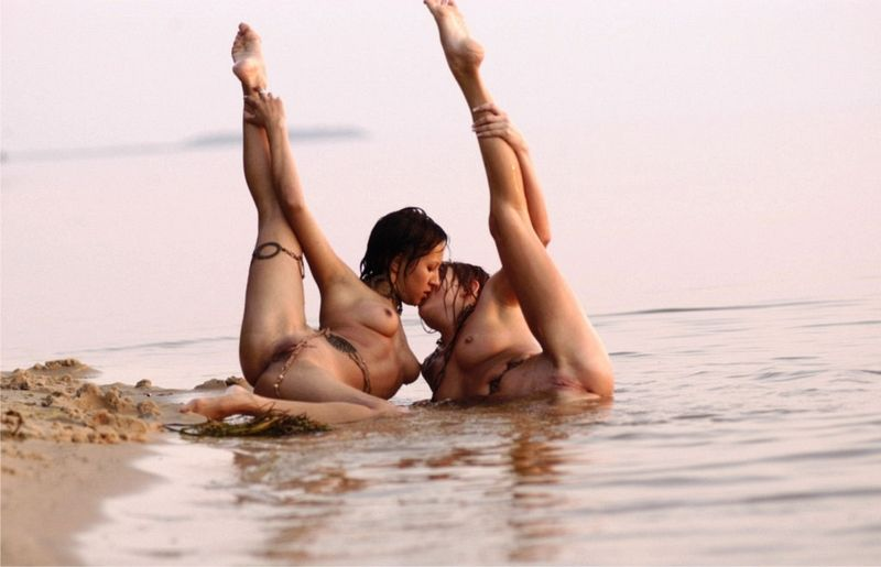 Танцы голые фото