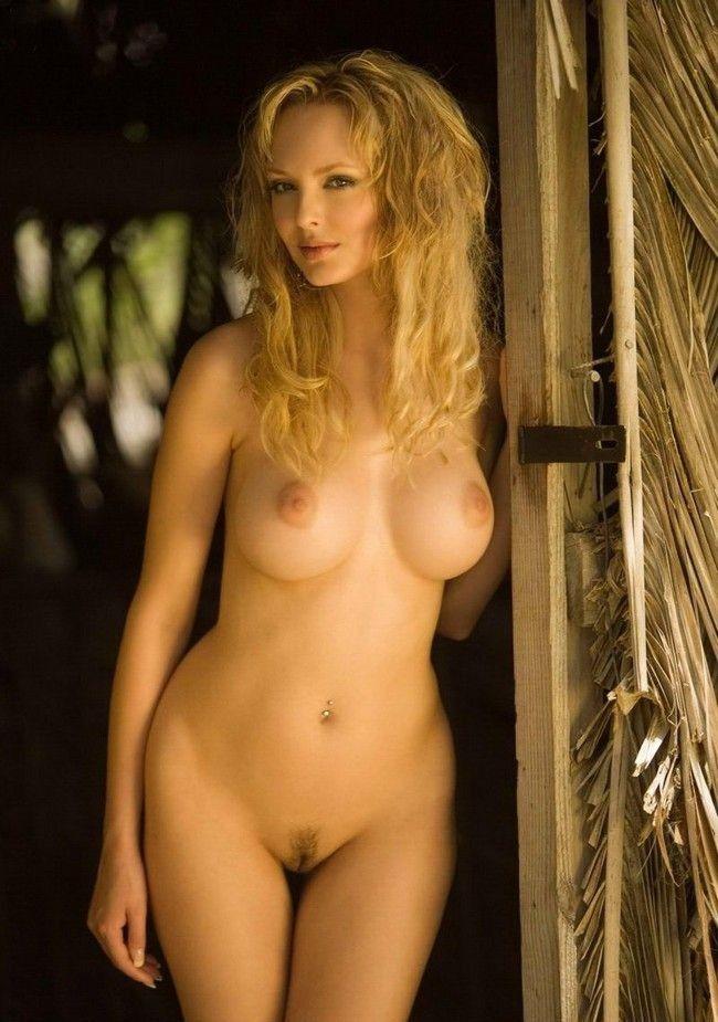 Голая красивая блондинка фото