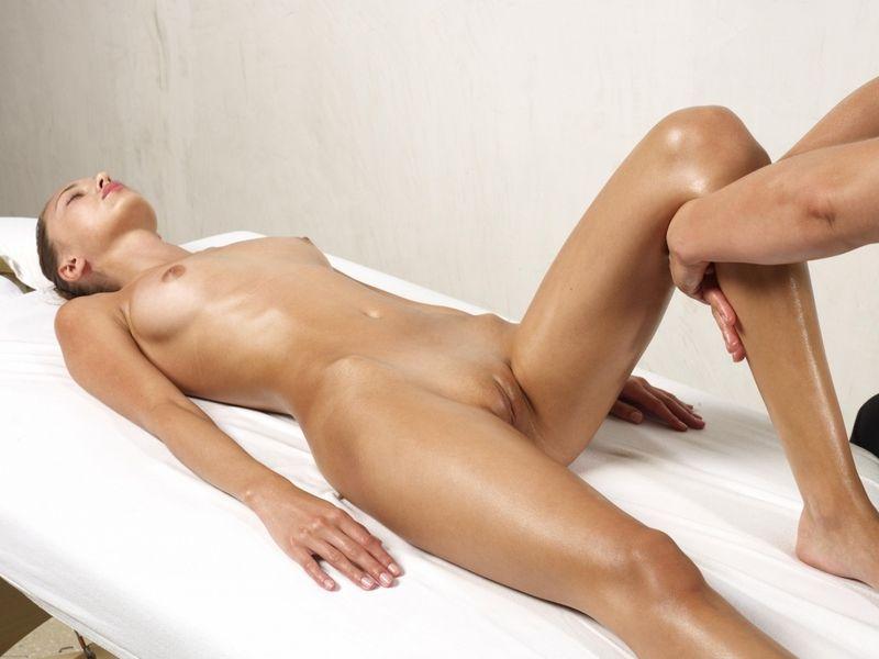 devushki-v-delovih-kostyumah-foto-erotika