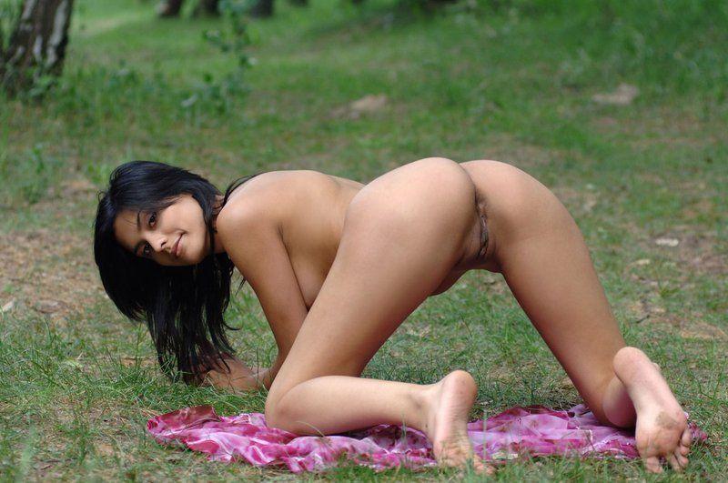 burmese-girl-nude
