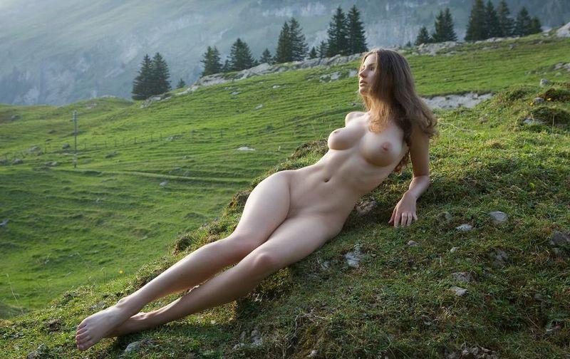 Фото одиноких голых девушек, жена мужа заставляет лизать и сосать