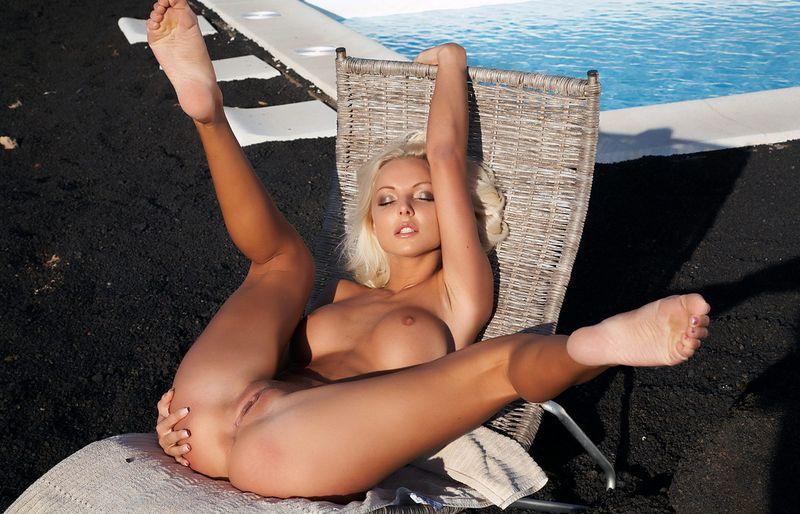 Бесплатно фото голых ног