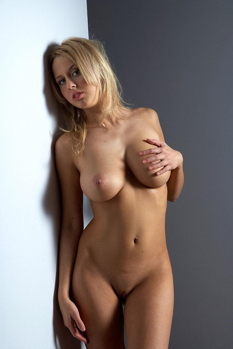 Именно голая девушка фото 291-515