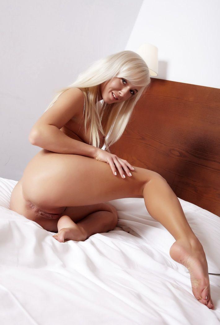 stunningly beautiful nude women