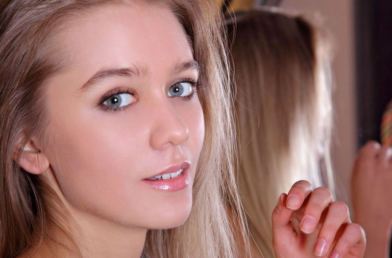 Babes Young Dark Blonde Girl With Blue Eyes And Pink Flo Myfamilypies 1