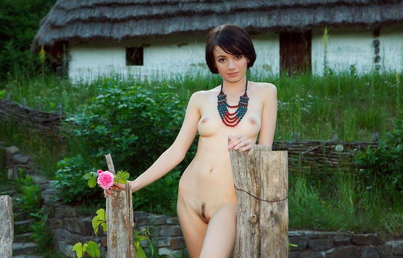 eroticheskie-fotki-v-derevne