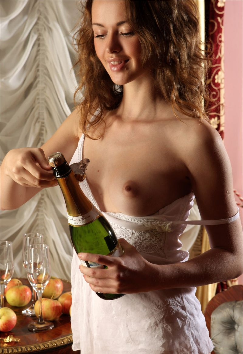 Great girls with champagne tits — img 1