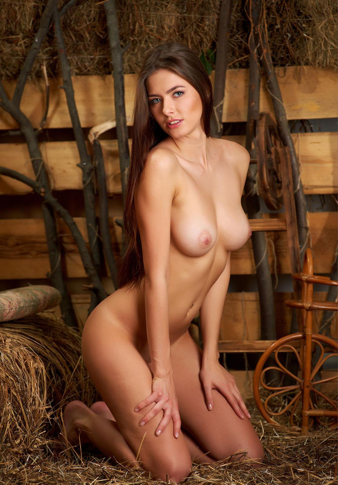 голую девушка россия