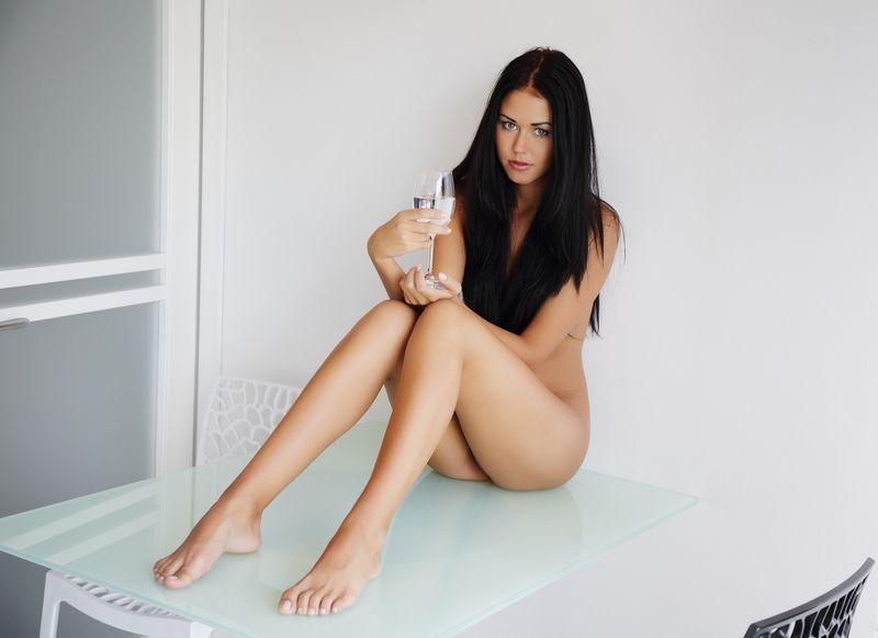Голые девушки с красивыми ножками фото 27127 фотография