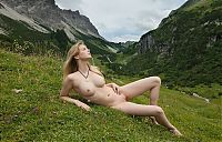 Nake.Me search results: young blonde girl in the swiss alps
