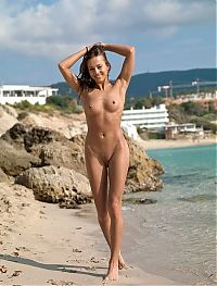 Nake.Me search results: young brunette girl on the beach with large labia minora