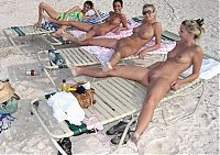 Nake.Me search results: young girls taking pictures on the beach